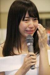 大粒の涙を流しながらファンに感謝した日高優月(C)AKS
