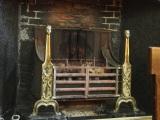 オックスフォード大学のクライストチャーチ・カレッジ、学生ホールの暖炉。首の長い人間の彫像は『不思議の国のアリス』でアリスの首が伸びるシーンのアイデアの元となったと言われている (C)ORICON NewS inc.
