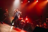 ニューアルバム『大人ロック』リリース記念ライブを行った藤井フミヤ