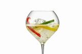 ジョエル・ロブション2店舗で限定展開中のシャンパーニュ『ヴーヴ・クリコ リッチ』を使った夏らしいスペシャルカクテル「パプリカ」