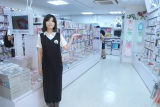 新しい店員のエプロン 黒でスタイリッシュな印象 (C)ORICON NewS inc.
