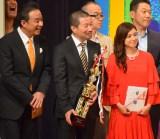 審査員を務めた(前列左から)渡辺正行、木村祐一、平愛梨=『あなたが選ぶ!お笑いハーベスト大賞2016』 (C)ORICON NewS inc.