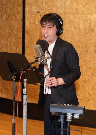 新曲「北の出世船」公開レコーディングの様子
