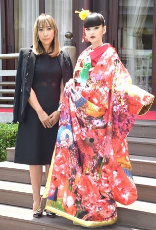 ウェディングブランド『M/mika ninagawa×KURAUDIA』デビューコレクション発表会に出席