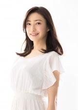ドラマ『砂の塔〜知りすぎた隣人』で4年ぶりの主演を務める菅野美穂
