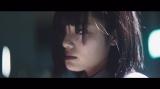 欅坂46が2ndシングル収録曲「語るなら未来を…」のMVを公開(写真は平手友梨奈)
