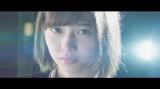 欅坂46が2ndシングル収録曲「語るなら未来を…」のMVを公開(写真は渡邉理佐)