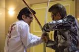 映画『CONFLICT 〜最大の抗争〜』で共演した(左から)小沢仁志、哀川翔 (C)2016「最大の抗争」製作委員会
