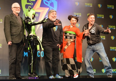 ポップカルチャーの祭典『Tokyo Comic Con2016』記者発表会に出席した(左から)イアン・マクダーミド、御伽ねこむ、アップル共同創業者・スティーヴ・ウォズニアック氏、三船美佳、レイ・パーク (C)ORICON NewS inc.