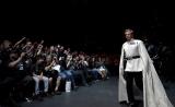 英ロンドンで開催された『スター・ウォーズ・セレブレーション・ヨーロッパ2016』より。映画『ローグ・ワン/スター・ウォーズ・ストーリー』(12月16日公開)の悪役オーソン・クレニックの役衣装で登場したベン・メンデルソーン