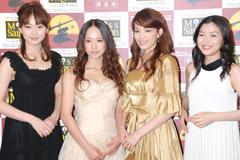 (左から)笹本玲奈、ソニン、知念里奈、新妻聖子