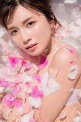 『AAA MISAKO UNO PHOTOBOOK Bloomin'』表紙カット(撮影/中村和孝)