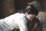 戦死していたと思っていた夫が帰還。感動の再会シーン(C)テレビ朝日