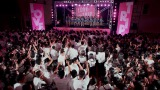 「LOVE TRIP」MVラストシーンの体育館ライブ