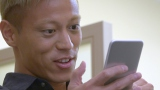 モバイルゲームアプリ『クラッシュ・ロワイヤル』(クラロワ)の新TVCMに出演する本田圭佑選手