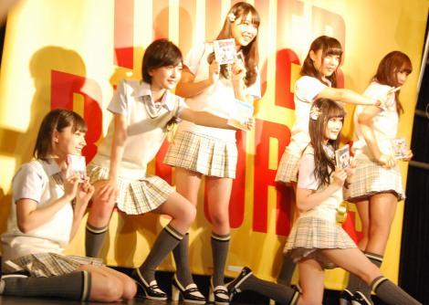 セクシーシンクロ対決の決めポーズ=NMB48新曲「僕はいない」発売記念イベント(C)ORICON NewS inc.
