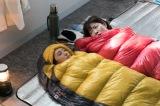 日本テレビ系連続ドラマ『家売るオンナ』第6話に出演する(左から)北川景子、イモトアヤコ (C)日本テレビ