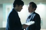 第1シリーズでは警視庁捜査一課12係の係長だった片桐正敏役の吉田鋼太郎は、現場で鈴木浩介のことを「コウスケ」と呼んでいたため、余計にややこしかったという (C)テレビ朝日