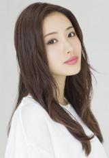 10月スタートの日本テレビ系新ドラマ『地味にスゴイ! 校閲ガール・河野悦子』に主演する石原さとみ