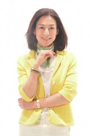 洋服が素敵な鈴木保奈美さん