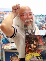 """『コミックマーケット90』に""""参戦""""したセーラー服おじさん (C)oricon ME inc."""