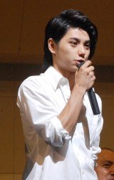 TBS系ドラマ『仰げば尊し』のモデルになった高校ゆかりの演奏会にサプライズで登場した村上虹郎 (C)ORICON NewS inc.