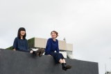 チャットモンチー(左から橋本絵莉子、福岡晃子)