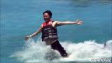 フジテレビ系『有吉の夏休み2016密着 100時間in ハワイ』(後9:00)でハワイを満喫する有吉弘行