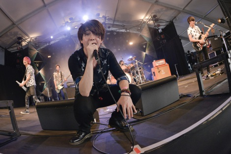 『RISING SUN ROCK FESTIVAL 2016 in EZO』に出演したMrs. GREEN APPLE (C)RISING SUN ROCK FESTIVAL 撮影:釘野孝宏