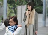 テレビ朝日系ドラマ『はじめまして、愛しています。』終盤は、育ての親・美奈(尾野真千子)と生みの親・泉役(志田未来)の対立がテーマに(C)テレビ朝日
