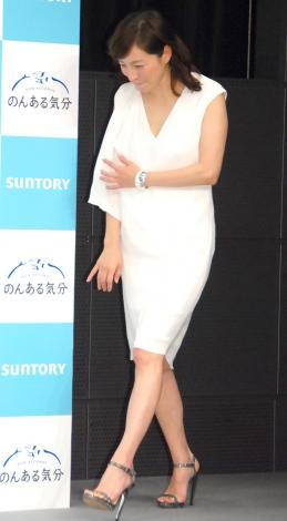 夏らしい全身白の衣装で登場した広末涼子=サントリー『のんある気分』新CM発表会 (C)ORICON NewS inc.