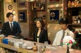 日本テレビ系連続ドラマ『家売るオンナ』(毎週水曜 後10:00)第8話に出演する(左から)工藤阿須加、北川景子、仲村トオル(C)日本テレビ