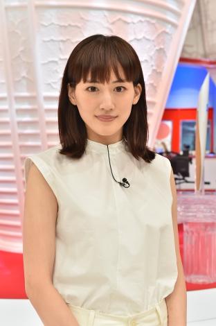 『ものづくり日本の奇跡 日の丸テクノロジーがオリンピックを変えた 元気が出る60年物語』に出演する綾瀬はるか (C)TBS