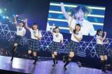 (写真左から)須藤凜々花、薮下柊、太田夢利、渋谷凪咲、内木志(C)NMB48