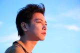 俳優デビュー10周年を記念した写真展開催が決まった佐藤健