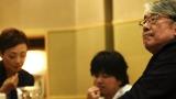 「さみしいときは恋を歌って」のMVには作曲・秦基博、作詞・松本隆氏も出演