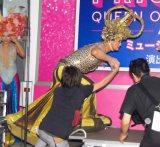 登壇するのも大変な衣装=ミュージカル『プリシラ』製作発表に出席した陣内孝則 (C)ORICON NewS inc.