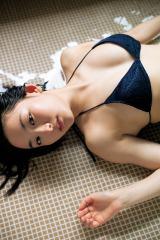 『週刊ヤングジャンプ』41号の巻末グラビアに登場する早乙女ゆう
