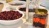 東京・二子玉川 蔦屋家電で10日より限定開催されるイベント『世界のKitchenからElderflower Sparkling Water〜自由に花を楽しむ知恵から〜』では、フラワービネガー作りのワークショップも(C)oricon ME inc.