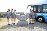 愛知県南知多町にある「羽豆岬」歌碑の前で記念撮影(C)AKS
