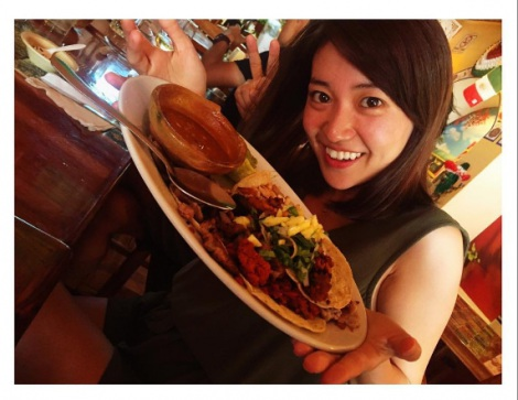 健康的に日焼けした大島優子(画像は本人Instagramより)