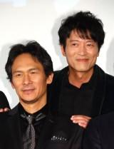 映画『超高速!参勤交代リターンズ』の初日舞台あいさつに出席した伊原剛志(左)と寺脇康文 (C)ORICON NewS inc.
