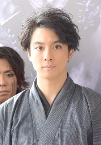 舞台『AZUMI 幕末編』公開ゲネプロ後取材に出席した渡部秀(C)ORICON NewS inc.