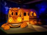 """『ジブリの大博覧会〜ナウシカから最新作「レッドタートル」まで〜』が閉幕。フォトスポットとして人気だった""""""""六本木行きの猫バス(C)Studio Ghibli"""