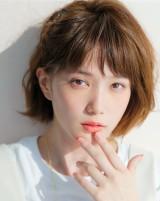 日本テレビ10月期水曜ドラマ『地味にスゴイ!校閲ガール・河野悦子』に出演する本田翼