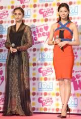 敵役・石田ニコル(左)は黒ドレスで登場 (C)ORICON NewS inc.