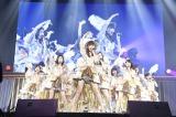 横浜アリーナで行われた『AKB48グループ同時開催コンサートin横浜〜今年はランクインできました祝賀会〜』の模様(C)AKS