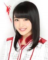 11月16日発売のAKB48の新曲の選抜メンバーに入った向井地美音(C)AKS