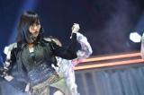 山本彩はソロでNMB48のダンス選抜曲「Must be now」を披露〜『AKB48グループ同時開催コンサートin横浜〜今年はランクインできました祝賀会〜』(C)AKS