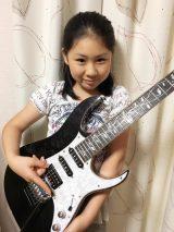 神奈川県鎌倉市在住の天才ギタリスト少女「Li-sa-X」